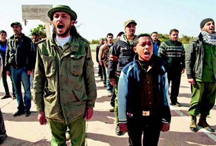voluntários líbios